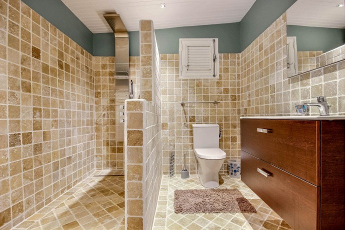 Salle de bain du studio Neivy