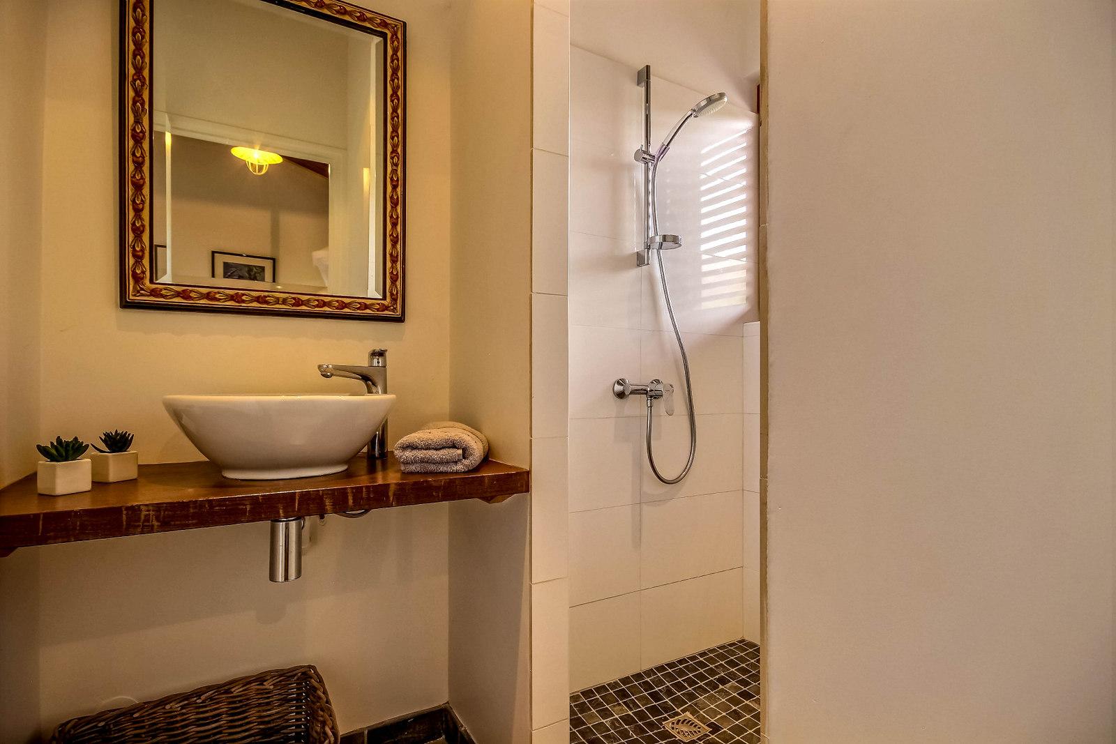 Salle de bain villa Colibri, locataion saisonnière en Martinique
