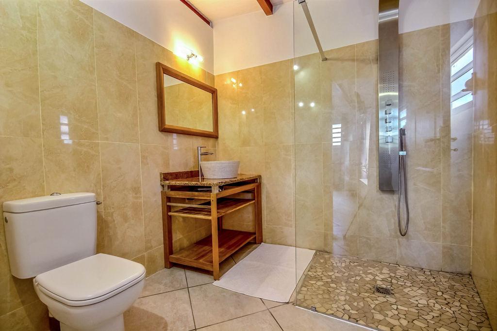 Salle de bain de la villa Montabel au Vauclin, Martinique