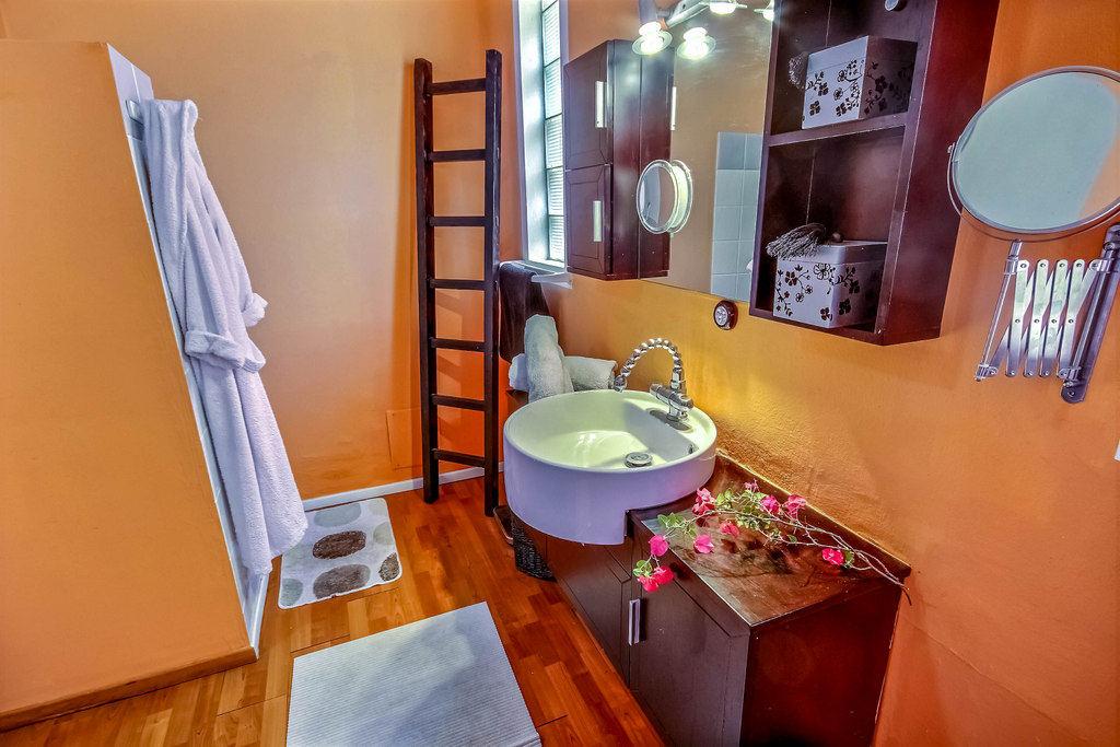 Salle de bain locataion saisonnière Martinique