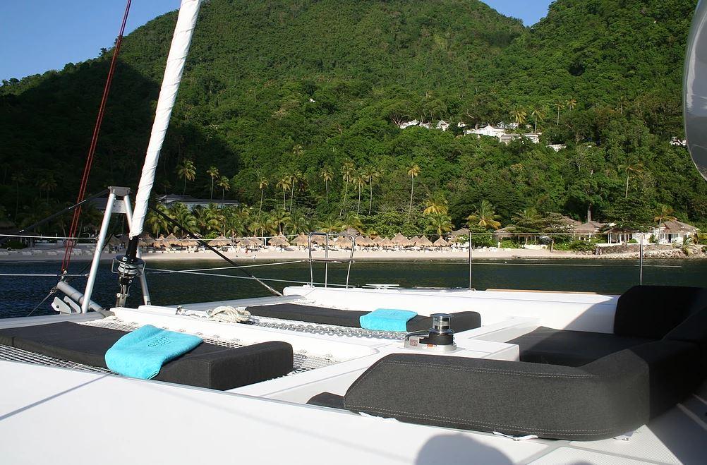 Sortie bateau alliant plaisir culinaire et découverte des côtes martiniquaises