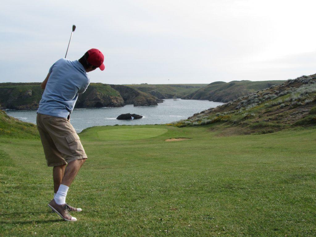 Faire du golf à Belle île en Mer