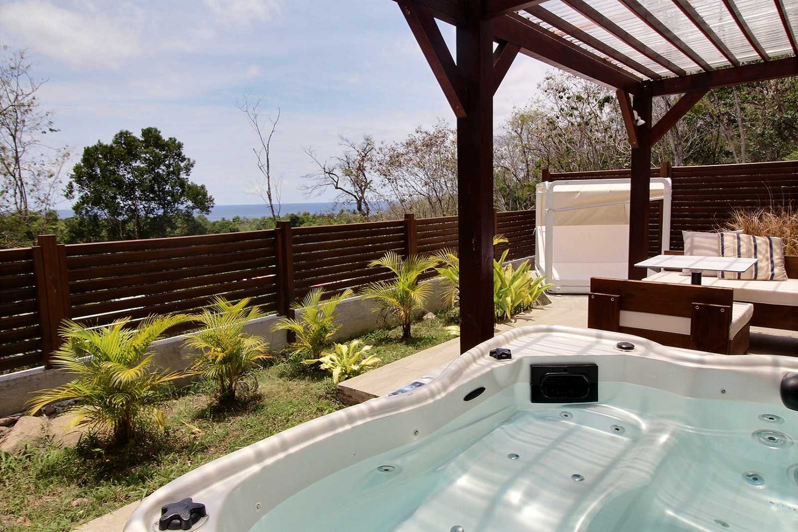 location bungalow jacuzzi guadeloupe