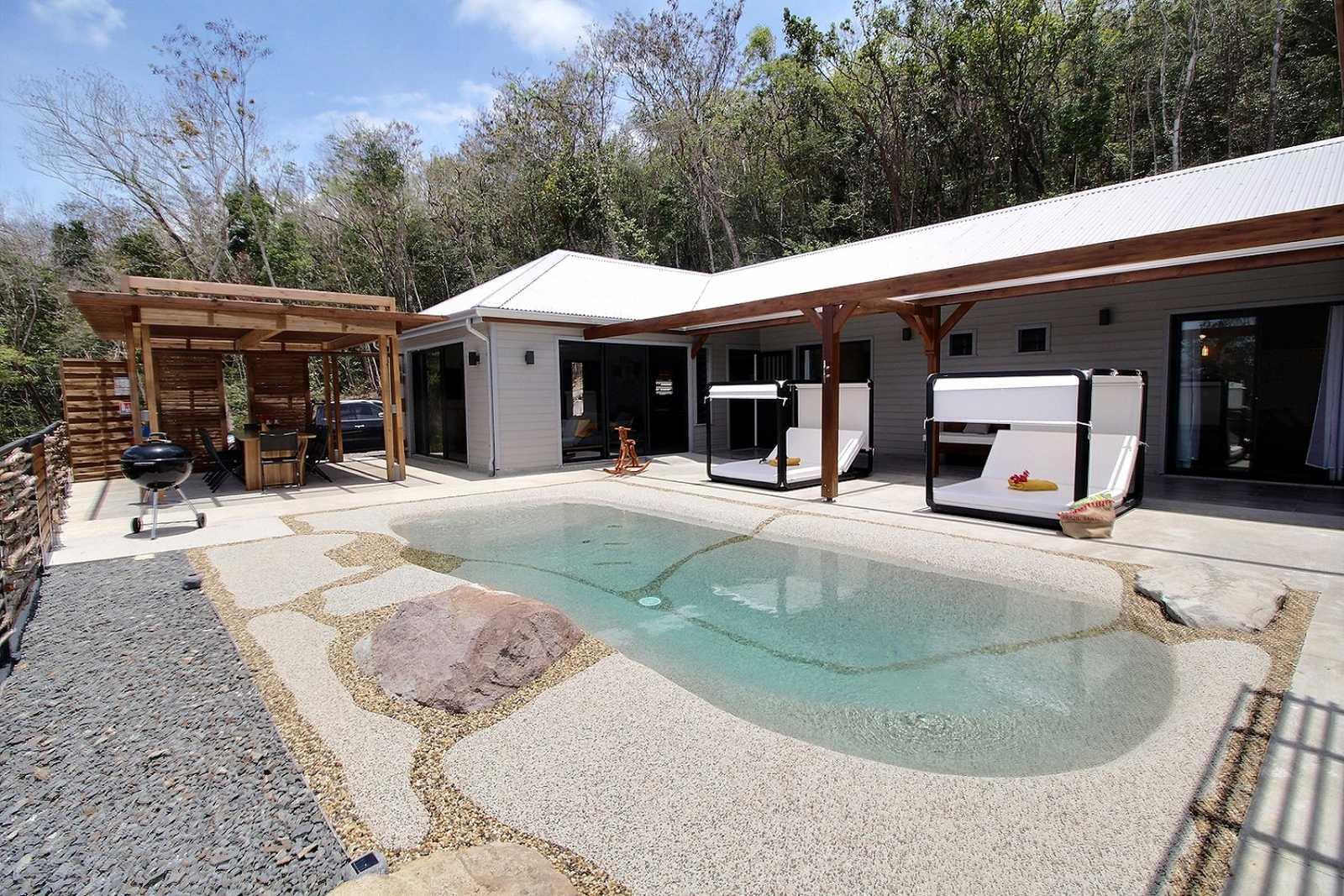 villa de luxe dans un cadre authentique Guadeloupe